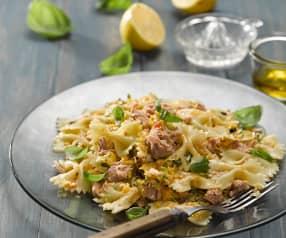 Těstovinový salát s tuňákem, zeleninou a bazalkou