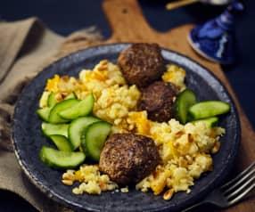 Lammköfte mit Couscous und Gurkensalat