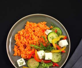 Tomaten-Paprika-Reis mit Sommergemüse und Feta