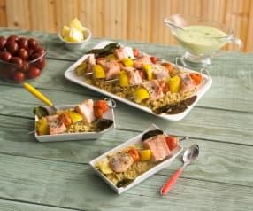 Lachsspieße auf Quinoa mit Kokossauce