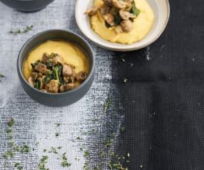 Polenta com cogumelos e espinafres