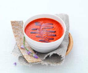 Gaspacho de poivron, réduction de balsamique