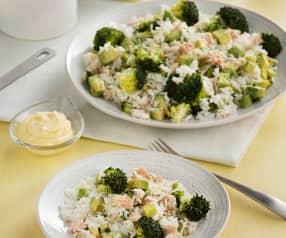 Arroz con brócoli, atún y aguacate