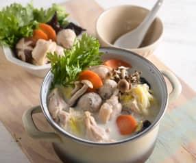 白菜雞腿豆奶鍋