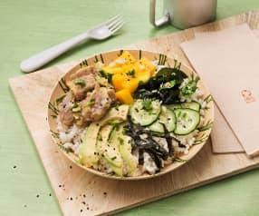 Ahi poke (Poke de atún con arroz)