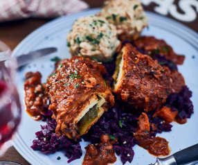 Vegan Roulades with Dumplings and Red Cabbage