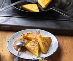 Süße Polentaschnitten mit Apfelmus