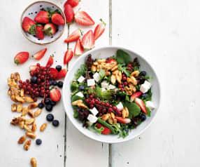 Salada de espinafres e frutos do bosque com vinagreta de framboesa