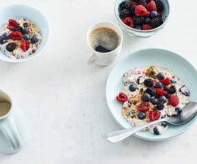 Low-Carb-Porridge mit Beeren
