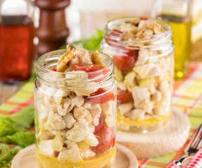 Insalata di tacchino al limone e noci in vasetto