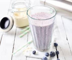 Blueberry-Cheesecake-Shake mit Proteinpulver