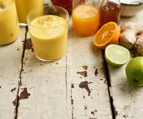 Smoothie de manga, laranja e iogurte