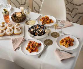 Menú Navidad 2: Mejillones con salsa maltesa. Caldereta de dorada y marisco al horno. Postre de merengue y cítricos