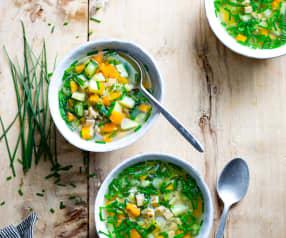 Bouillon aux légumes, crozets et herbes