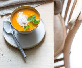 Soupe tomate-coco, quenelles de coco