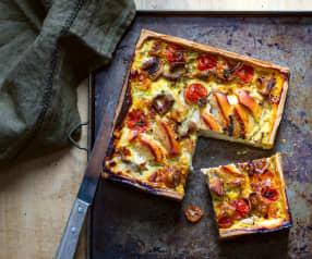 Tarte aux champignons, poulet et tomates