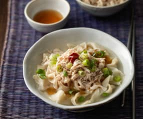 Kalguksu (Chicken Noodle Soup)