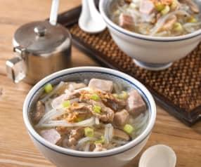香菇肉絲芋頭米粉湯