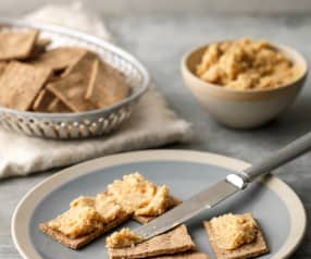 Fennel and Caraway Rye Crackers with Houmous
