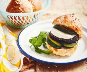 Burger aux légumes et à la mozzarella