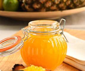 Ananasová marmeláda s limetkou