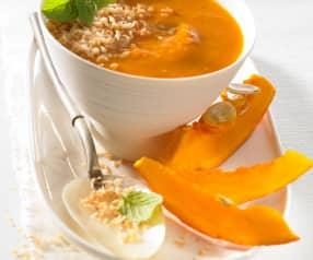 Dýňovo-rajčatová polévka s kokosovým mlékem