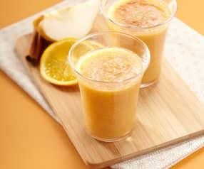 Pomerančovo-hruškový džus se skořicí
