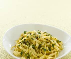 Tagliatelle al pesto di pistacchio e limone