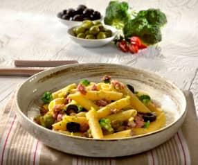 Penne broccoli, salsiccia e olive