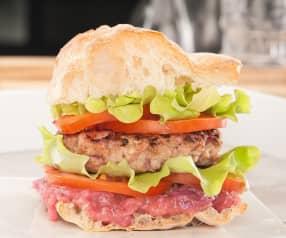 Cheeseburger di maiale e prosciutto