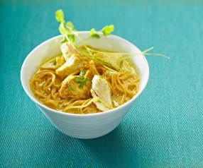 Nouilles chinoises façon thaïe au poulet