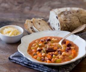 Sopa de frijoles Toscana