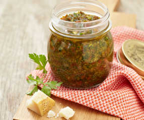 Pesto di pomodori secchi e aglio