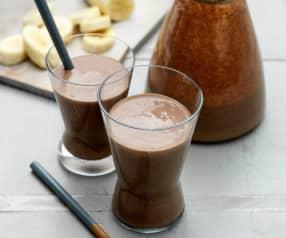 Smoothie bananowe z ziarnami kakaowca