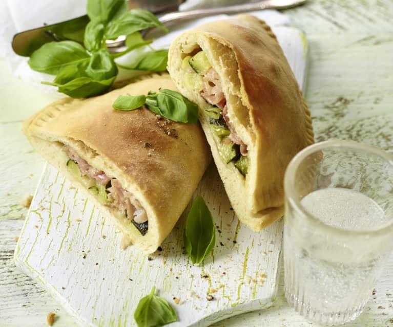 Calzoni mit Gemüse und Schinken