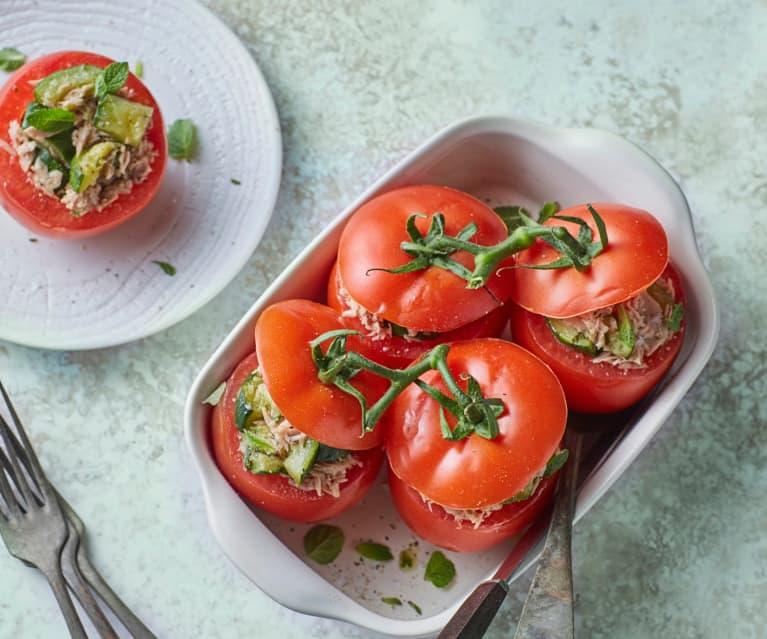 Pomodori ripieni con zucchine alla menta e tonno