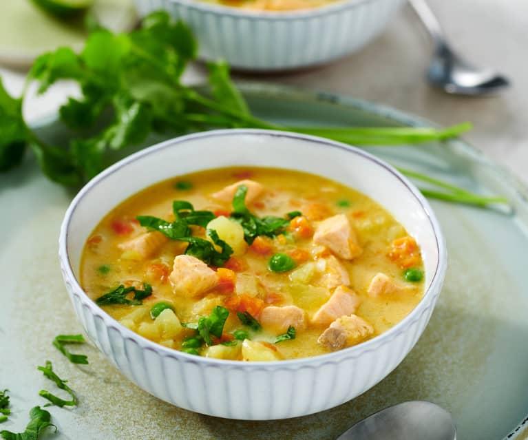 Kartoffel-Kokos-Suppe mit Lachs