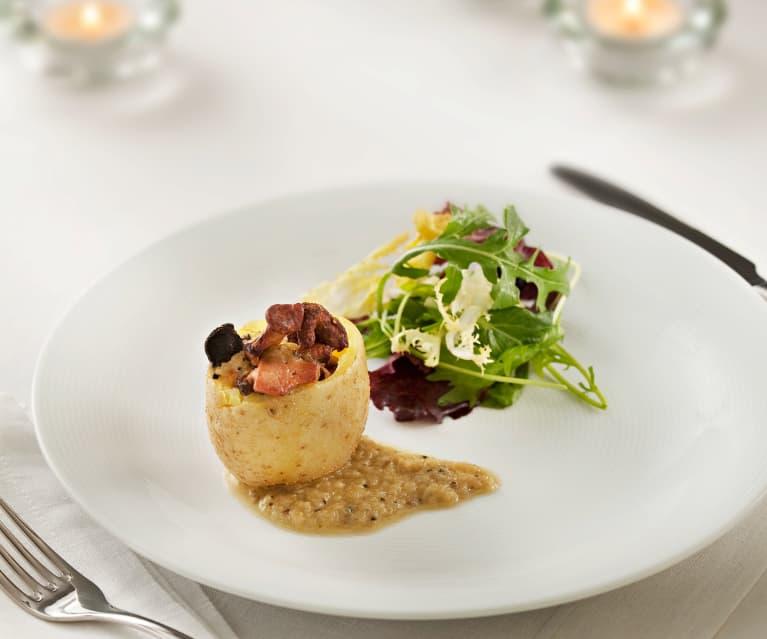 Patatas rellenas de setas y foie con salsa de trufa