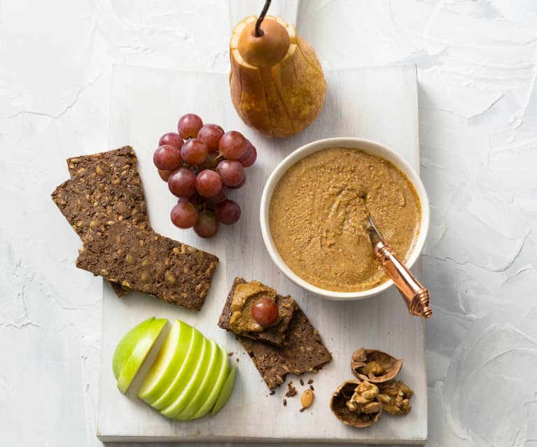 Mixed seed and nut spread