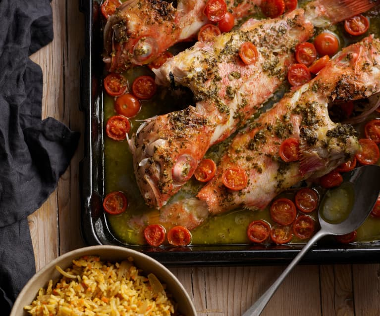 Rotbarsch mit Tomaten, Möhren und Reis