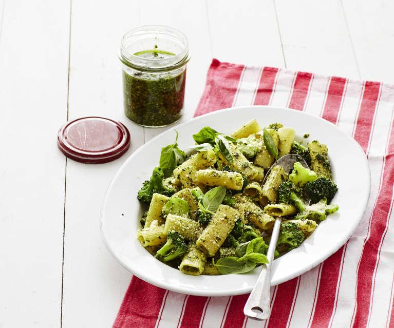 Brokkoli-Kräuter-Pasta