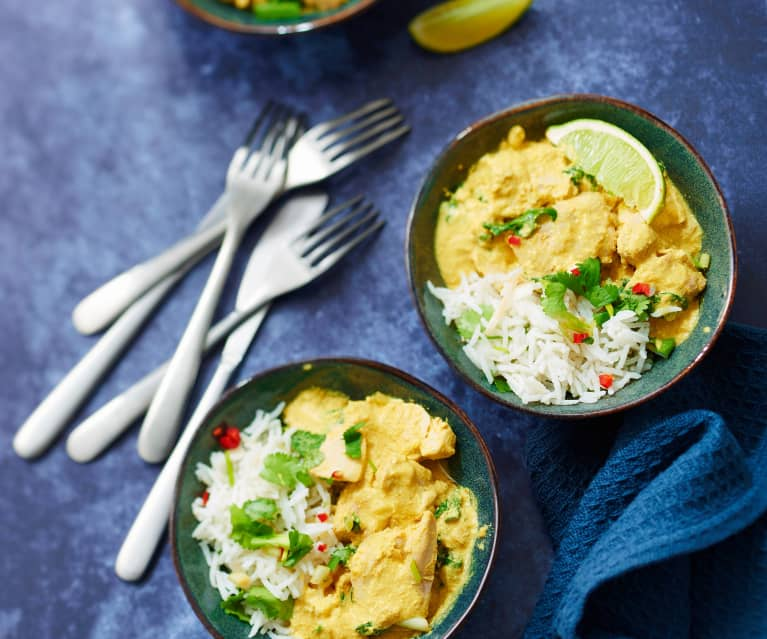 Curry thaï de thon, lait de coco et riz