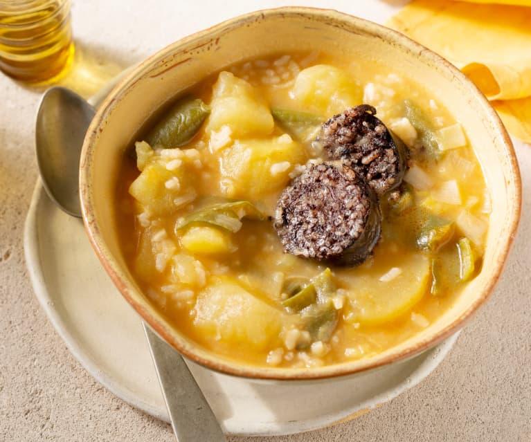 Patatas guisadas con arroz y morcilla de Burgos