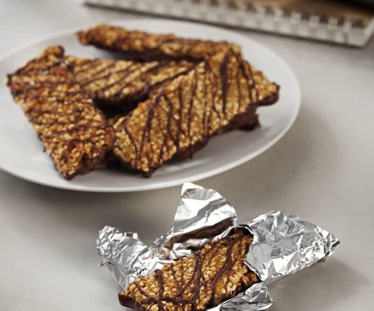 Barritas crujientes de cereales, cacahuetes y chocolate