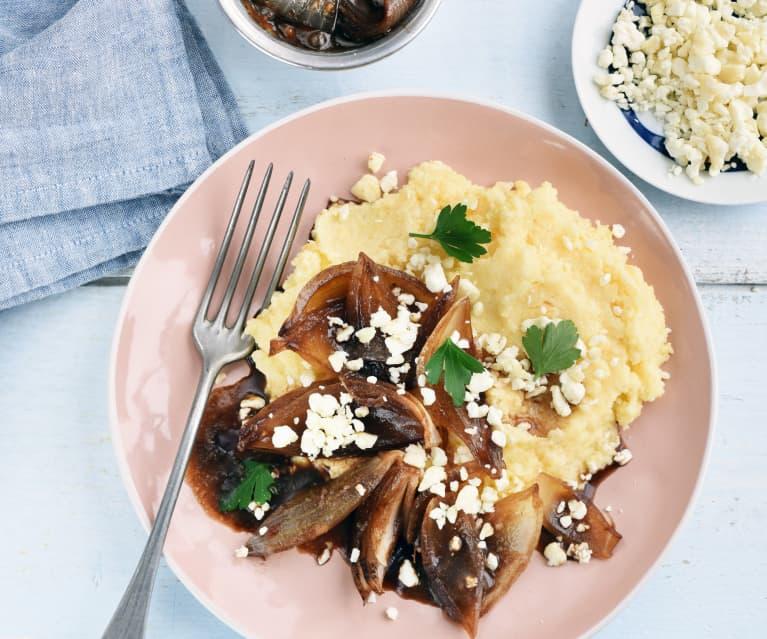 Polenta, oignons confits et chèvre doux