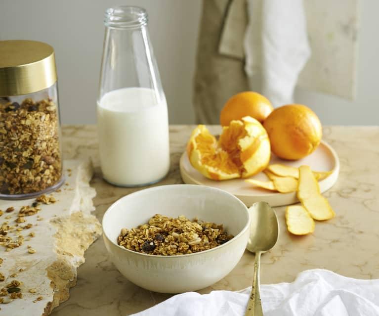 Granola de frutos secos com laranja