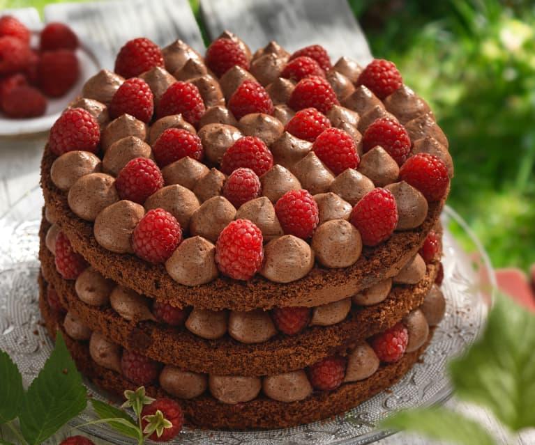 Naked Cake mit Himbeeren und Ganache
