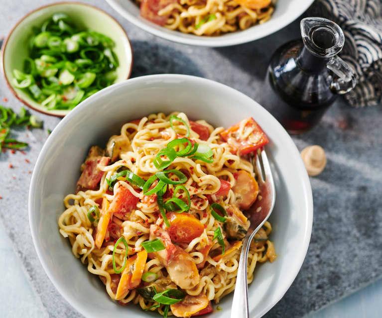 Asia-Nudeln mit Gemüse