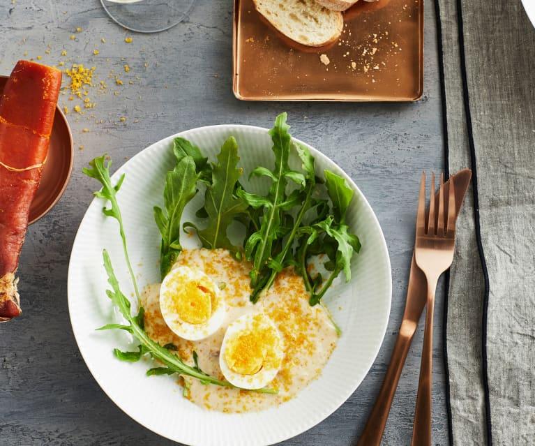 Eier mit Thunfischsauce und Bottarga