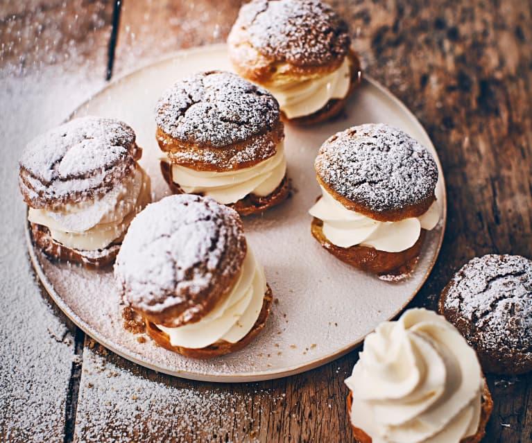 Petits choux tonka et craquelins vanille